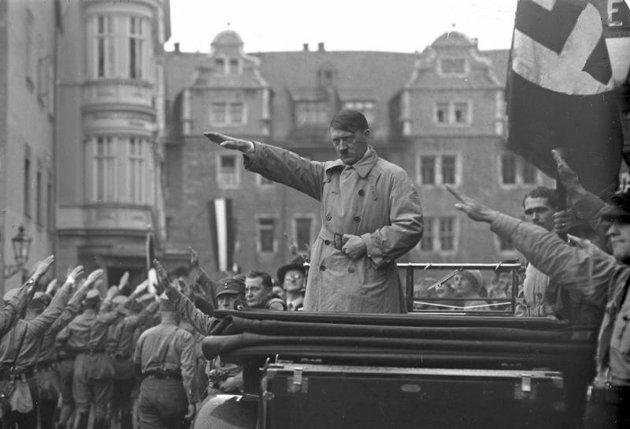 e5824010-fc3d-11e3-93c1-39d54cb8c177_Adolf-Hitler