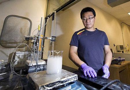 Este-metal-puede-transformar-agua-salada-en-agua-bebible-e-incluso-en-combustible