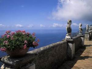 1019368~Belvedere-of-Infinity-at-the-Villa-Cimbrone-on-the-Amalfi-Coast-in-Ravello-Italy-Posters