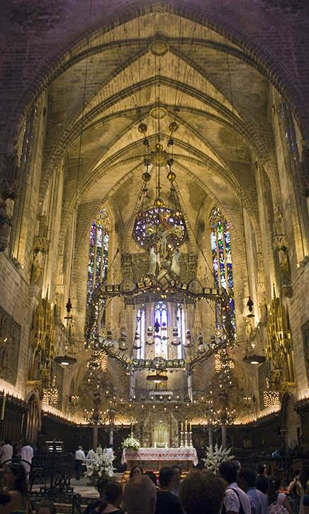 altar-mayor-catedral-interior-palma