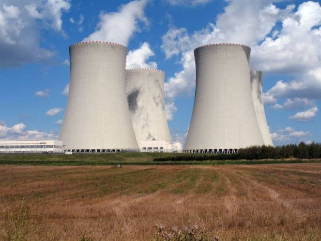 cooling-towers-of-a-nuclear-power-station-1024x768